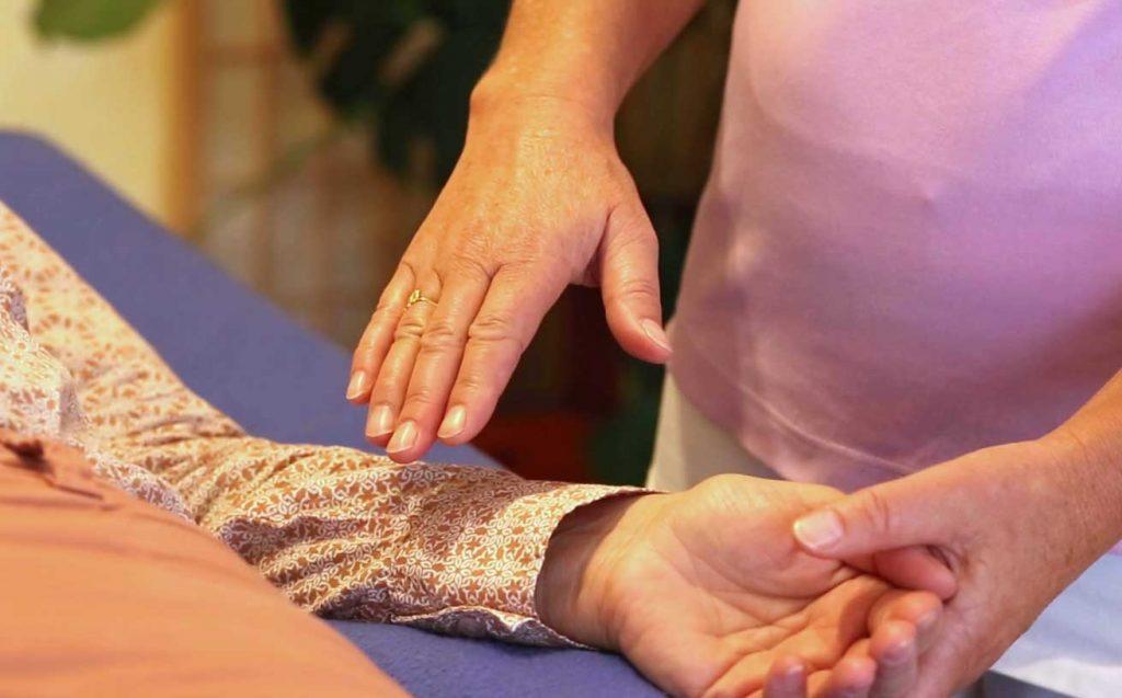 Healing Touch / Energiebehandlung